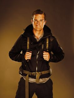 Bear Grylls - This guy makes me wanna do outdoor activities! Awesome shows. Man Vs Wild, Bear Grylls, Bear Pictures, Look At You, Man Humor, Man Crush, Boy Fashion, Role Models, Beautiful People