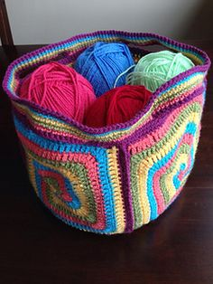 10726627_10154739274950514_484796893_n_small2...free crochet pattern for this spiral design tote basket!!