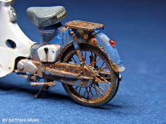 The Amazing Miniature World of Satoshi Araki Honda Cub, Giant Pikachu, Motocross Enduro, Monster Energy Supercross, Vintage Honda Motorcycles, Military Modelling, Motorcycle Art, Car Makes, Japanese Artists