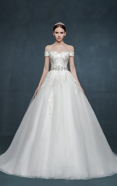 Royal Off the Shoulder Princess Ball Gown Wedding Dresses Lace Up Romantic Palace Custom Made Bridal Dresses. suzhoudress.com