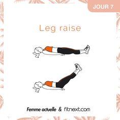 Départ en position allongée sur le dos, jambes tendues, pieds flex. Montez vos jambes à 90°, puis redescendez-les. Contractez vos abdos afin de toujours garder le dos plaqué au sol. 3 séries de 15 répétitions avec 10 secondes de récupération entre chaque.