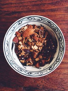 Chocolate muesli… Really? Muesli, Plant Based Recipes, App, Thoughts, Chocolate, Baking, Breakfast, Food, Bread Making