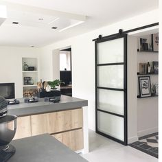 Exceptional kitchen room are offered on our site. Have a look and you wont be sorry you did. Rustic Kitchen Design, Farmhouse Style Kitchen, Modern Farmhouse Kitchens, Cool Kitchens, Hacienda Kitchen, Küchen Design, Interior Design, Kitchen Remodel, New Homes