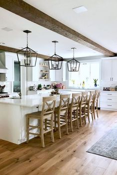 Meet my kitchen twin We love so many of the same finishes! What is your favori. - Home Decor, Best Decoration İdeas, Designs Modern Farmhouse Design, Modern Farmhouse Kitchens, Modern House Design, Home Design, Cool Kitchens, Country Kitchens, Casa Real, Home Staging, Home Interior