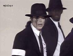 Michael Jackson — mjslays: the premiere of michael jackson's...