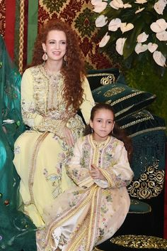 MOROCCO ~ 2014 ~ Morocco's King's wife Lalla Salma and daughter Lalla Khadija attend the henna ceremony, as part of Royal Wedding of celebrations Prince Moulay Rachid and Miss Oum Keltoum Boufares, at the Royal Palace in Rabat, Morocco Moroccan Caftan, Moroccan Style, Caftan Gallery, Estilo Real, Royal Fashion, Mode Style, Traditional Outfits, Daughter, Glamour