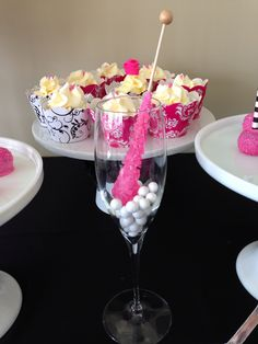 Black white and fuchsia theme candy bar Birthday Candy, Buffet, Black White, Party Ideas, Bar, Breakfast, Tableware, Food, Morning Coffee