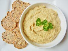 One Healthy Munchkin: Easy homemade hummus