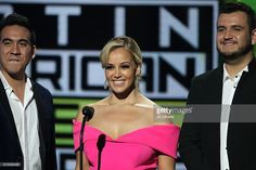 Recording artist Armando Ramos of Calibre 50, tv personality Rosie Rivera and recording artist Eden Munoz of Calibre 50 speak onstage during The 2016 Latin American Music Awards at Dolby Theatre on October 6, 2016 in Hollywood, California.