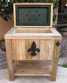 NEW Hand-Made, Weathered Wood Outdoor Igloo Ice Chest W/Black Fleur De Lis