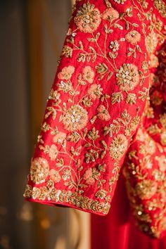 Wedding Saree Blouse Designs, Fancy Blouse Designs, Blouse Neck Designs, Blouse Patterns, Hand Work Blouse Design, Stylish Blouse Design, Traditional Blouse Designs, Indian Bridal, Bride Indian