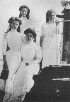 Olga, Tatiana and Maria with Anna Vyrubova on the Standart