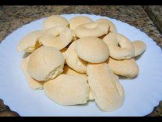 BISCOITOS DE MAIZENA RECEITA DA VÓ MARIA Ingredientes:500 gr. maizena,3 colheres de margarina, Uma lata de leite condensado, 2 gemas de ovos, 1 colher de sopa de fermento de bolo, e raspas de limao ou laranja