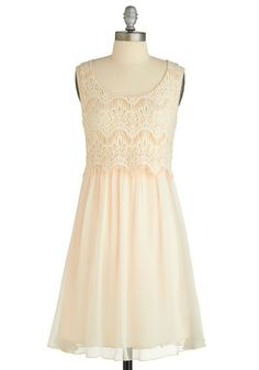 I'm in love, love, LOVE with this dress. I love the lace.