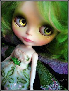 angel-lily custom blythe