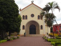 Rancho Alegre, Paraná, Brasil - pop 4.004 (2014)
