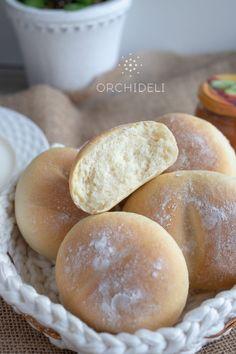 Proste i tanie bułeczki śniadaniowe - Orchideli - przepisy na torty i słodki stół Hamburger, Bread, Recipes, Food, Breads, Baking, Hamburgers, Meals, Eten