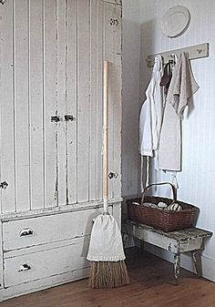 Rustic Farmhouse look for mud room?