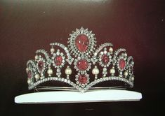 A part of the Imperial Jewels of Iran, used by HIM Empress Farah Attached Thumbnails