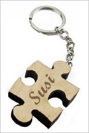 Pzzle Schlüsselanhänger aus schickem Holz mit Gravur. ab 9,90 Euro