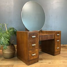 1920s Dressing Table, Dressing Table With Drawers, Art Deco Vanity, Art Deco Mirror, Art Deco Bedroom, Bedroom Decor, Bedroom Curtains, Art Deco Furniture, Cool Furniture