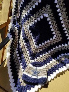 dallas cowboy baby blanket set photo shoot newborn warm hat and booties navy gray white Crochet Newborn Blanket, Crochet Ripple Blanket, Crochet Things, Diy Crochet, Crochet Baby, Cowboy Crochet, Dallas Cowboys Baby, Blue Baby Blanket, Cowboy Baby