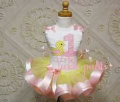 Rubber Duck Duckie Tutu Outfit - Baby girls birthday - Pink yellow - Includes embroidered top and ruffled tutu - Colors can be changed 1st Birthday Shirts, Baby Girl 1st Birthday, Bear Birthday, Birthday Tutu, 3rd Birthday, Birthday Parties, Tutu Outfits, Birthday Numbers, Pink Fabric