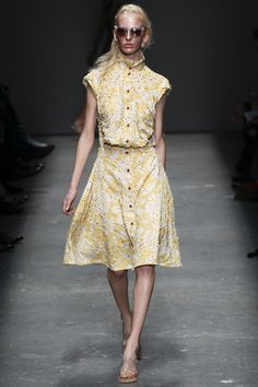Vivienne Westwood Red Label Spring 2016 Ready-to-Wear Collection Photos - Vogue