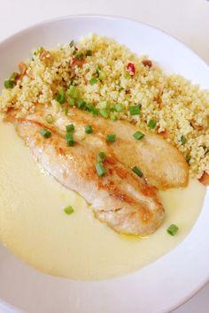 Purê de Queijo Coalho. Uma receita deliciosa, fácil de fazer e que combina com diversos ingredientes. Sirva com um simples frango, ou carne seca.