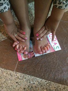 Manicure y pedicure invitadas