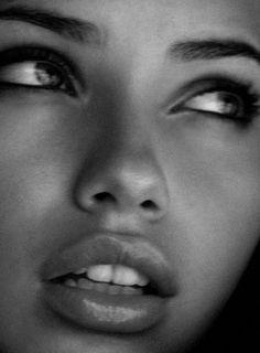 theachinglybeautiful:    Adriana Lima