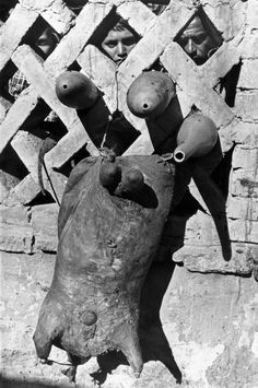 Henri Cartier-Bresson. MEXICO. 1934.   Learn Fine Art Photography - https://www.udemy.com/fine-art-photography/?couponCode=Pinterest10