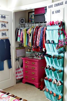 Superieur Hanging Purses And Bags On Door In Sarahu0027s Closet | Closets | Pinterest |  Hanging Purses, Purse And Doors