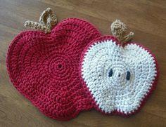 Apple Potholder - Free Crochet Pattern  ✿⊱╮Teresa Restegui http://www.pinterest.com/teretegui/✿⊱╮