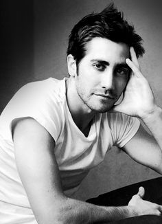 Jake Gyllenhaal, in this board because I love the way he recites and his beauty.