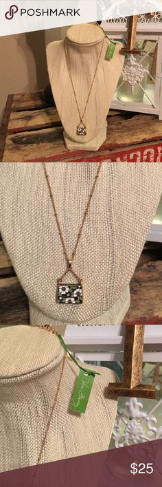 NWT, Vera Bradley Floral Purse Pendant Necklace Brand new with tag. Green, white, navy , and gold color with flower pattern on the purse pendant. 18 inch chain , gold color costume Jewelry. Very cute, great gift. Authentic. Vera Bradley Jewelry Necklaces