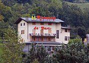 la dogana abetone Cabin, Mansions, House Styles, Home Decor, Decoration Home, Manor Houses, Room Decor, Cabins, Villas