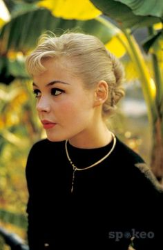 Sandra Dee, 1960s.  Fabulous up-do blonde hair and makeup.  Classic.