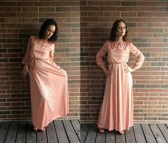 vtg 70s bronze peach GRECIAN neck tie MAXI DRESS Small draped Unique Dresses, Vintage Dresses, Vintage Outfits, Grecian Goddess, Embroidered Tunic, Draped Fabric, Boho Dress, Hippie Boho, Gowns