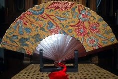 FAN MADE WITH HAND-PAINTED VINTAGE TJOA 3N BATIK_2