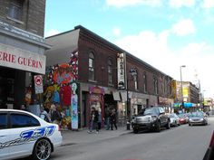 La célèbre Binerie Mont-Royal / Montreal Famous Beans restaurant