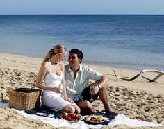 Real Picnic Ideas: Romantic Picnic Locations & Entertainment Ideas