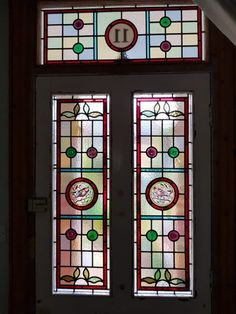 contemporary stained glass front door - Google Search Victorian Hall, Victorian Terrace House, Entryway Light Fixtures, Entryway Lighting, Chalkboard Wall Kids, Small Hallways, Glass Front Door, Diy Frame, Hanging Baskets