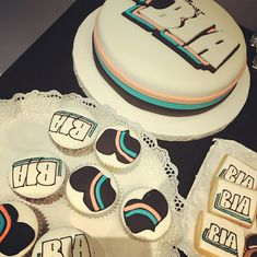Channel Cake, Chanel Party, Disney Cakes, Birthday Cake, Cupcakes, Cookies, Desserts, Photos, Food