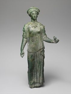 Bronze statue of a female votary - 4th-3rd Century BC. Late Classical or Hellenistic - Etruscan. The Met Museum.