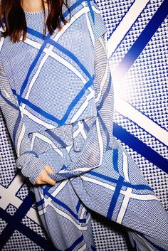 Sass and Bide - Resort 2015 collection, I so need these pants, so glad to see that the her rum pant is making a return, I love them! Fashion Mode, Fashion Show, Fashion Design, Style Bleu, My Style, Fashion Fabric, Fashion Prints, Sass And Bide, Shirt Designs