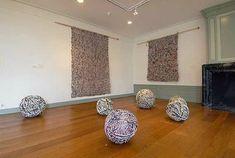 Ivano Vitali- Zero Impact Global Art- crochet/knitting with newspaper Recycle Newspaper, Paper Art, Paper Crafts, Knit Art, Paper Weaving, Paper Jewelry, Italian Artist, Global Art, Art Plastique