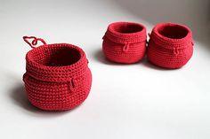 Košík - červený na zavesenie