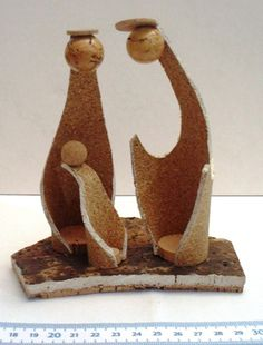 Presépios :: Arte&Cork Nativity Crafts, Christmas Nativity, Christmas Angels, Christmas Diy, Christmas Decorations, Xmas, Craft Projects, Projects To Try, Agenda Planner