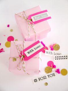 Pink & Gold DIY Birthday Party Decor #Borther #labelIt @birdsparty